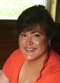 Native American online scholarship winner Regina White