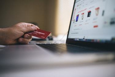 Online eCommerce degree graduates optimize online shopping portals