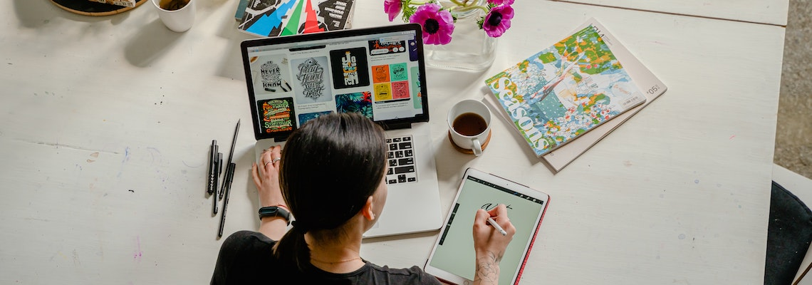 Become a graphic designer like this illustrator